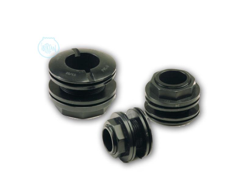 Los pasamuros Tank Unión Aqua Medic Son unas piezas roscadas fabricadas en PVC para la unión de tanques o para realizar las bajantes y subidas en acuarios con sump.