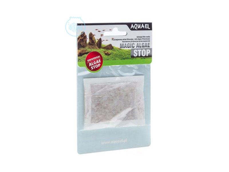 """Aquael Magic Algae Stop es un algicida universal para todo tipo de filtros de acuario (interno, mochila, externo). Gracias a sus propiedades únicas, previene el crecimiento de algas flotantes verdes responsables del llamado """"efecto de agua verde""""."""