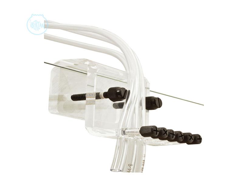 El 6-Tubes de Aqua Medic es un soporte para tubos fabricado en acrílico para fijar hasta seis tubos (máx. Ø 6 mm) en el borde del cristal del acuario.