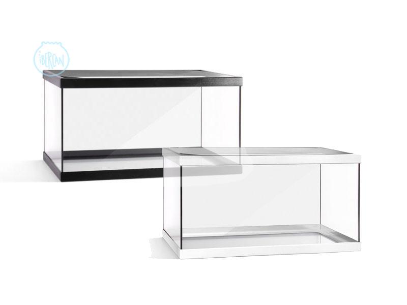 Los acuarios Beta Fontana son de vidrio y con marco de plástico