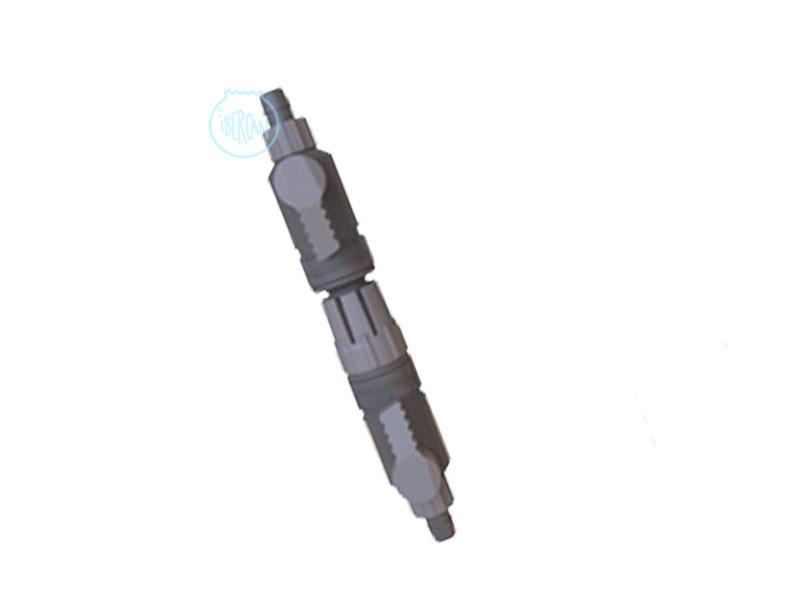Llave doble para mangueras 12/16 con acoplamiento rápido y sin derrames.